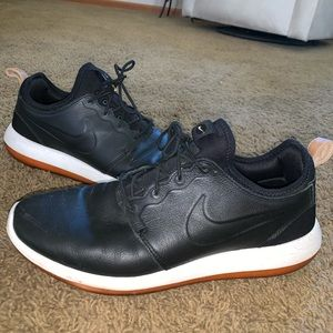 Nike Roshe One Premium Leather Sneakers